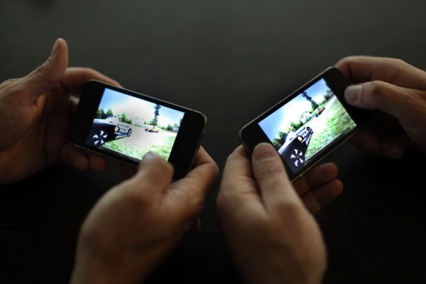the-popularity-of-mobile-gaming